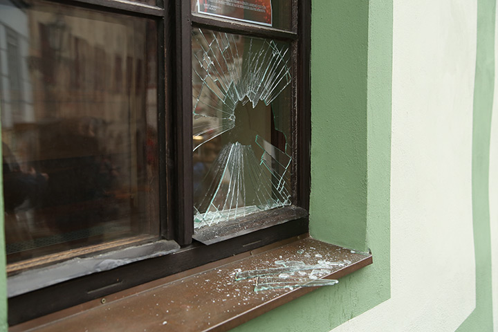 A2B Glass are able to board up broken windows while they are being repaired in Nuneaton.